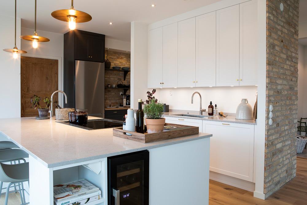 Låt dig inspireras av några spännande projekt som jag fått förmånen att förverkliga hemma hos mina kunder.